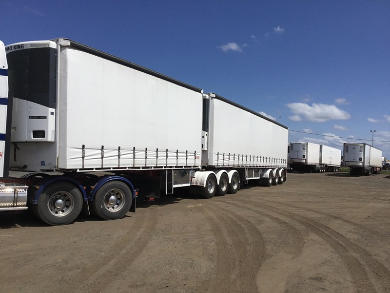 barker refrigerated curtainsider trailers 776505 009