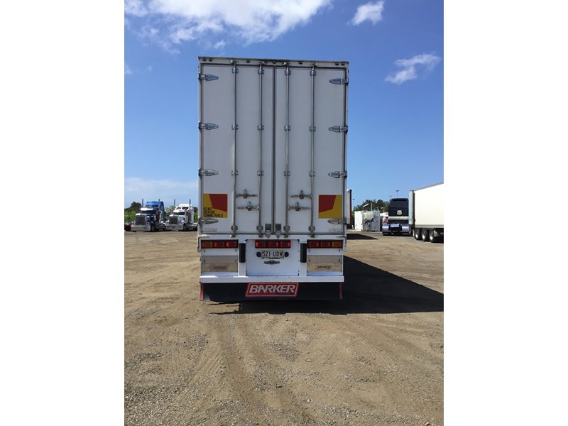 barker refrigerated curtainsider trailers 776505 011
