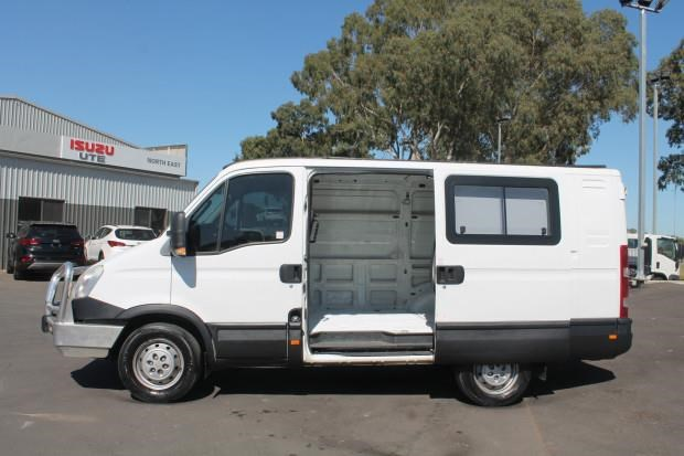 iveco daily 35s15 779356 005