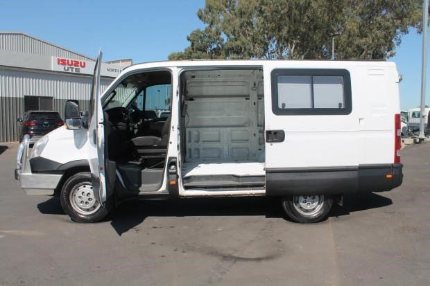 iveco daily 35s15 779356 006