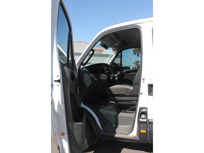 iveco daily 35s15 779356 009