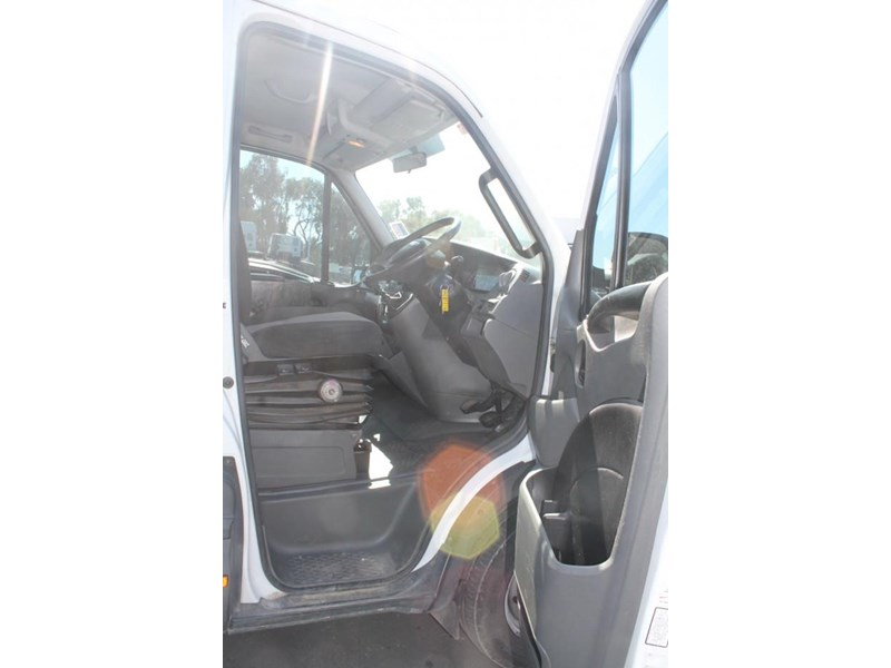 iveco daily 35s15 779356 011