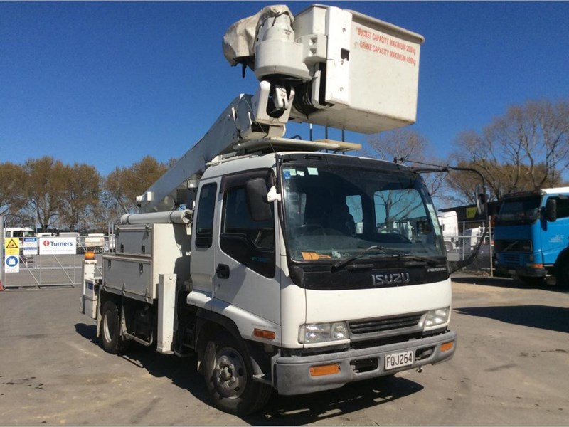 isuzu forward 780176 002