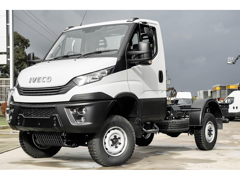 iveco daily 55s18hw 638938 001