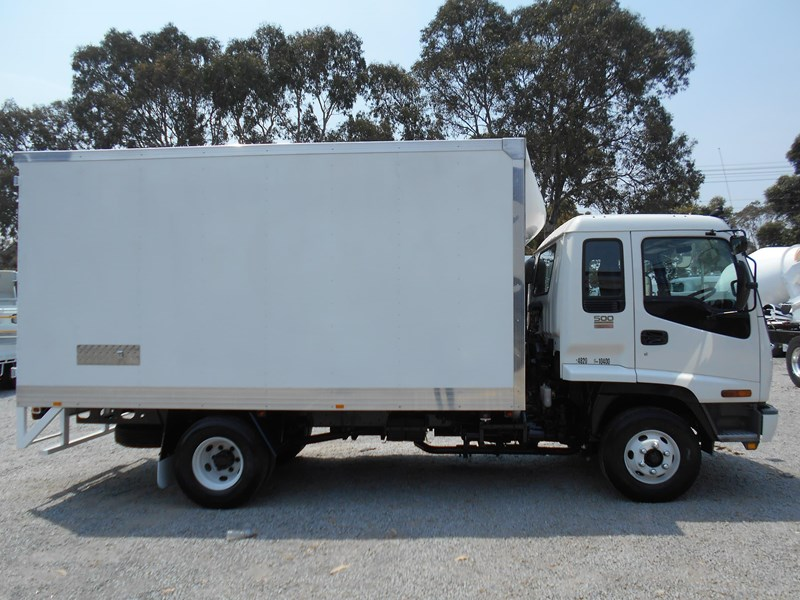 isuzu frr500 long 761455 008