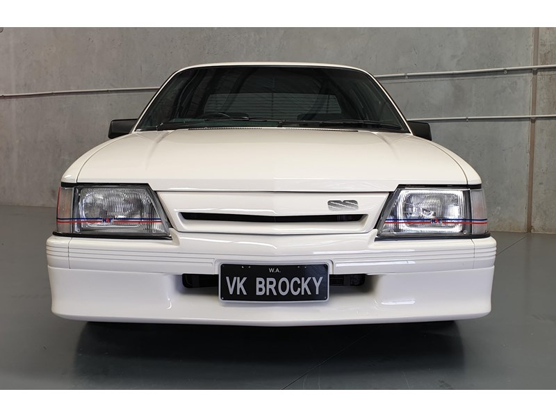 hdt commodore ss 784508 041