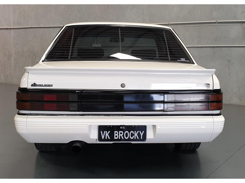 hdt commodore ss 784508 052