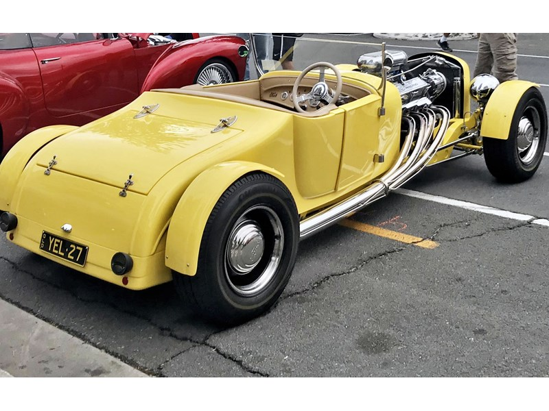 ford roadster 780210 002