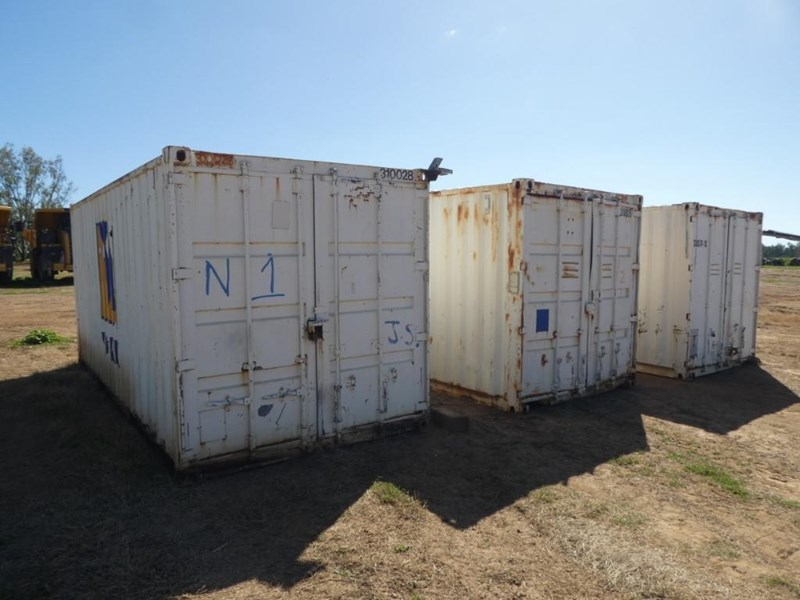 20ft work shop container with shelving 787253 002