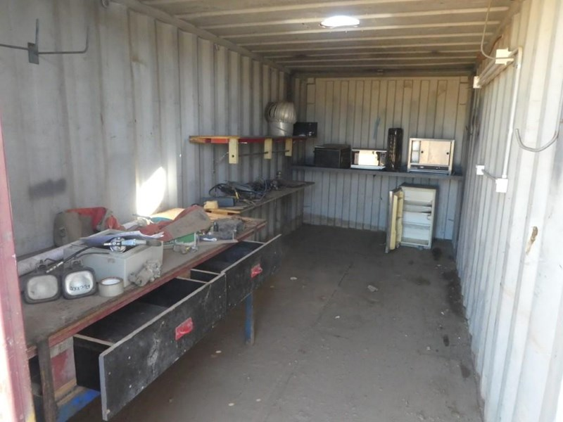 20ft work shop container with shelving 787253 004
