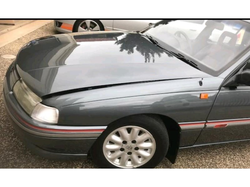 holden commodore 787849 005