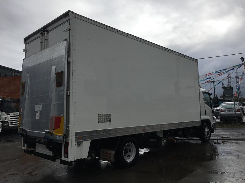 isuzu fsd700 long 788054 007