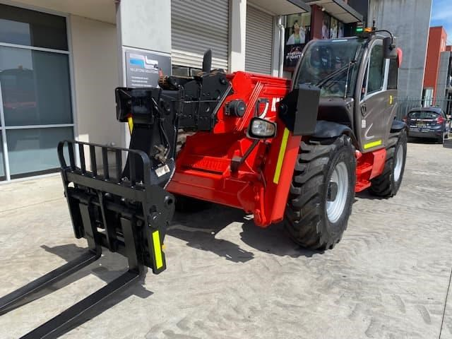 manitou mt1840 with pallet forks 787904 012