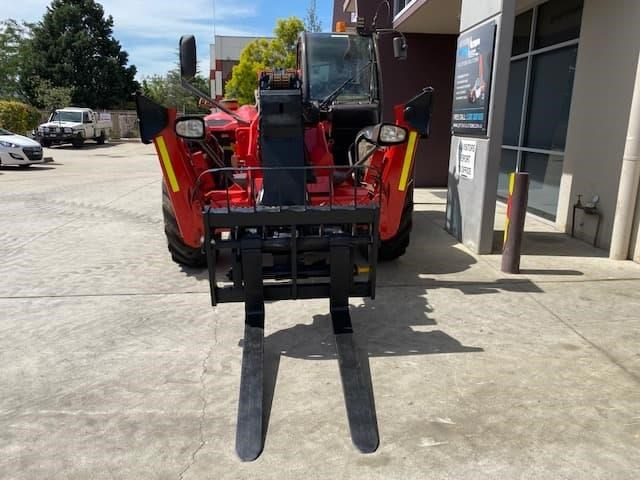 manitou mt1840 with pallet forks 787904 006