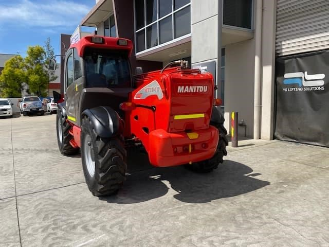 manitou mt1840 with pallet forks 787904 016