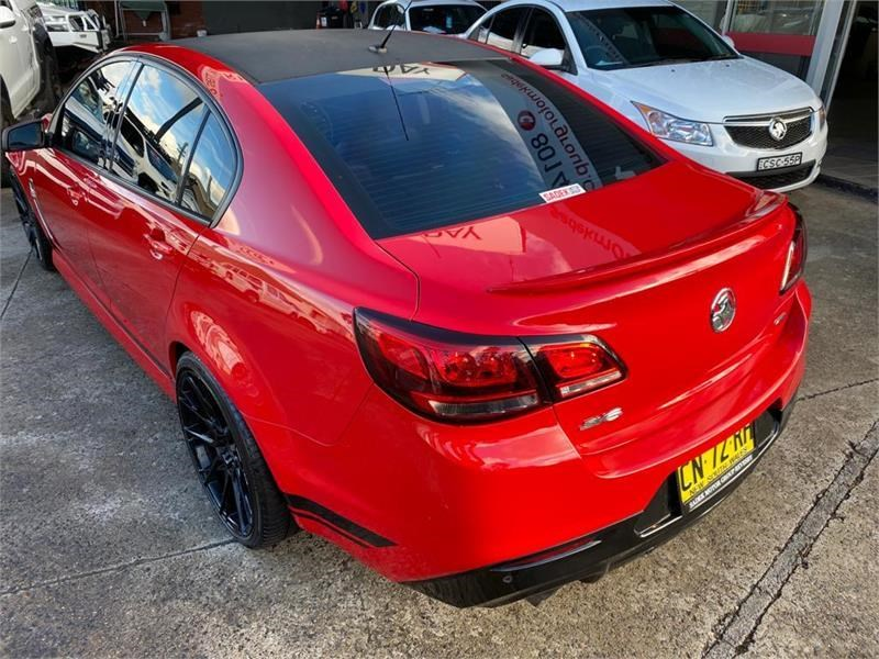 holden commodore 792586 011
