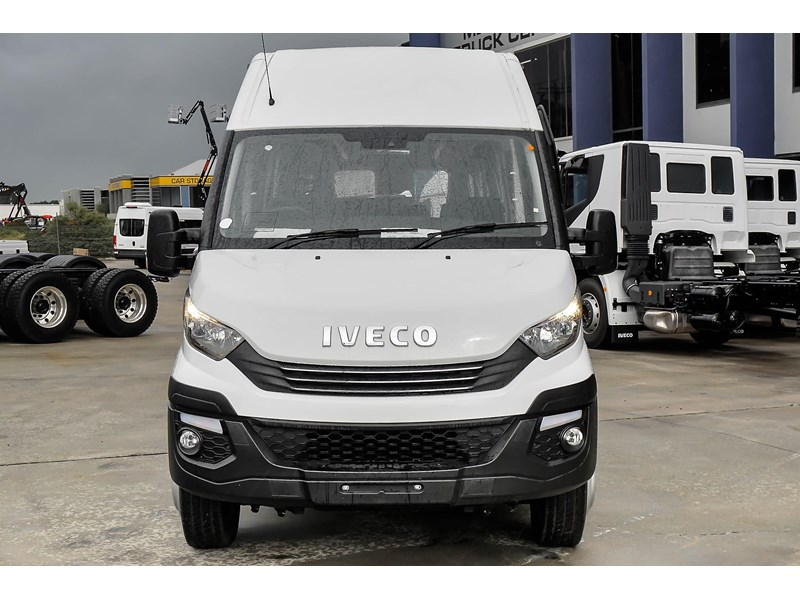 iveco daily mini bus shuttle 16 741126 002