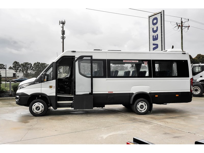 iveco daily mini bus shuttle 16 741126 003