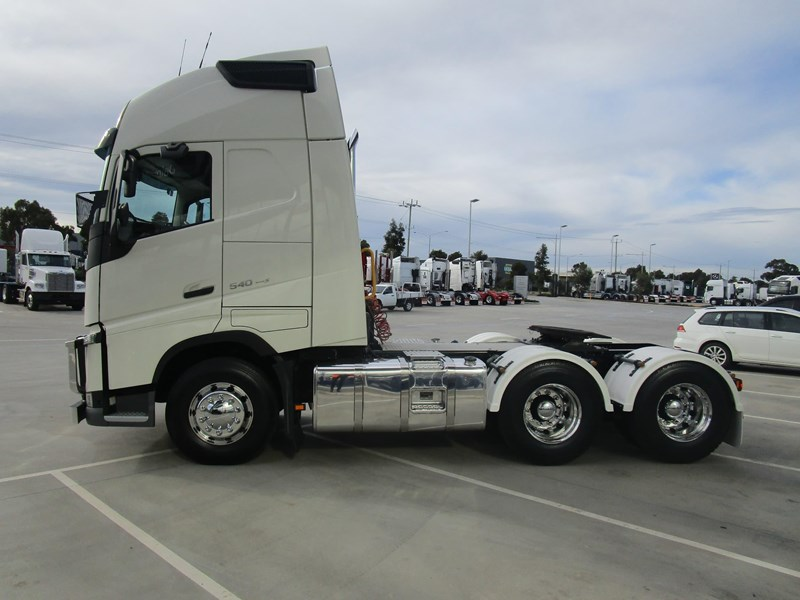 volvo fh540 781738 022