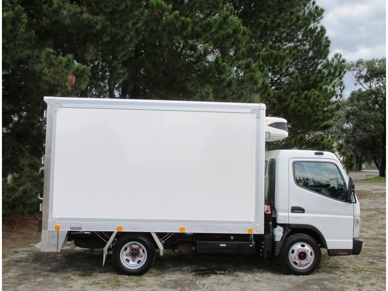 fuso canter 515 wide 782645 002