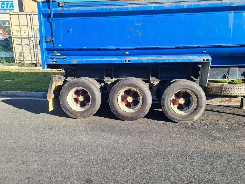 shephard tri-axle chassis tipping trailer 776466 009