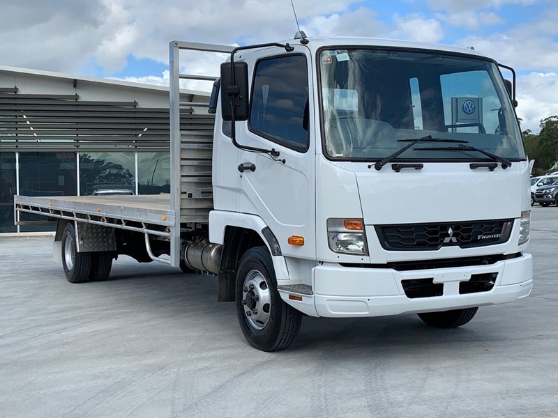 fuso fighter 1024 796473 004