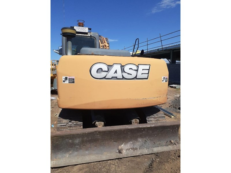 case cx130 with blade, tilting quick hitch 796630 005