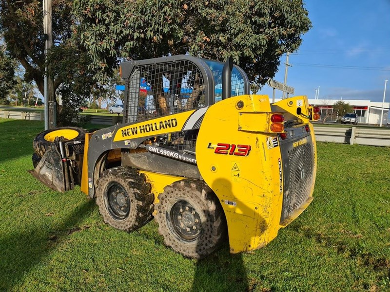 new holland l213 796649 008