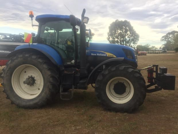 new holland t7030 797362 006