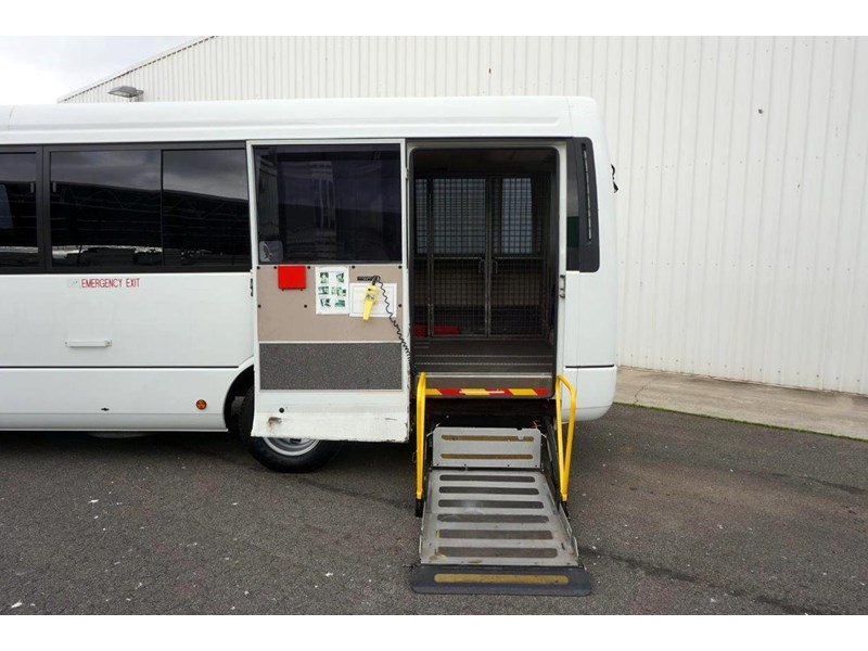 mitsubishi rosa 19 seat wheelchair bus 797415 014