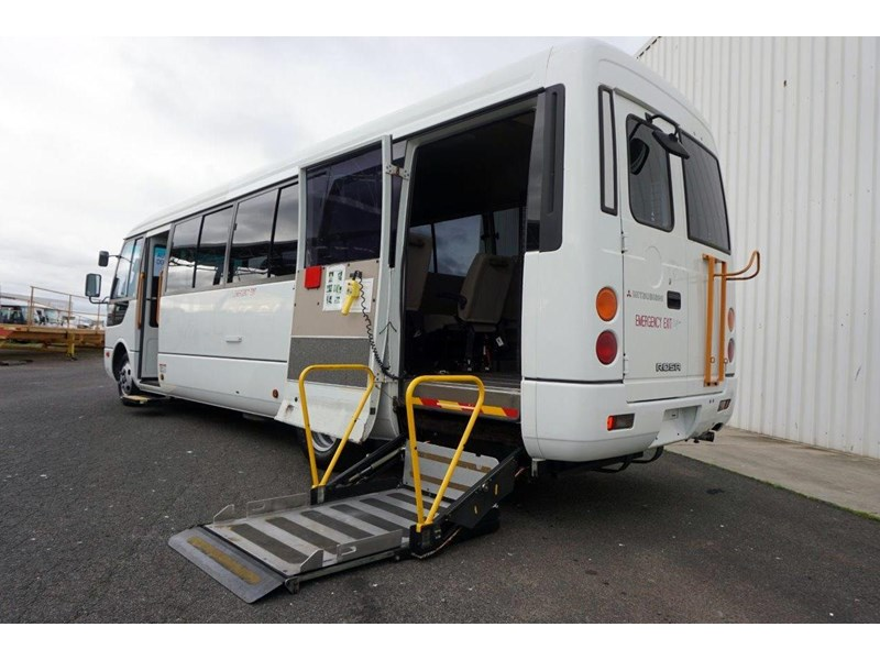 mitsubishi rosa 19 seat wheelchair bus 797415 009