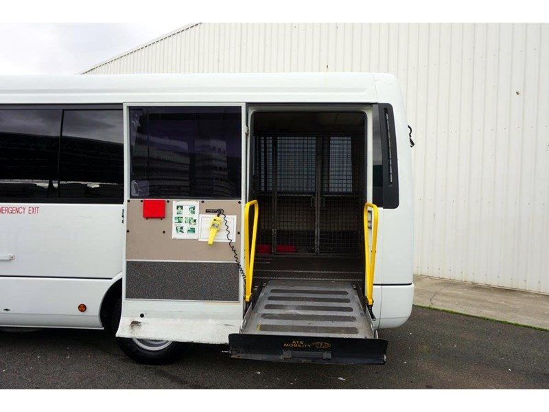 mitsubishi rosa 19 seat wheelchair bus 797415 006