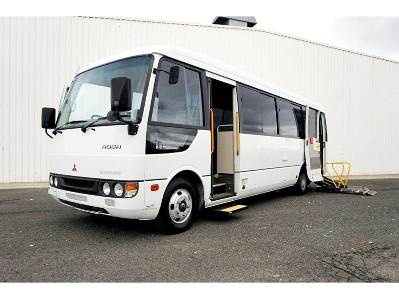 mitsubishi rosa 19 seat wheelchair bus 797415 001