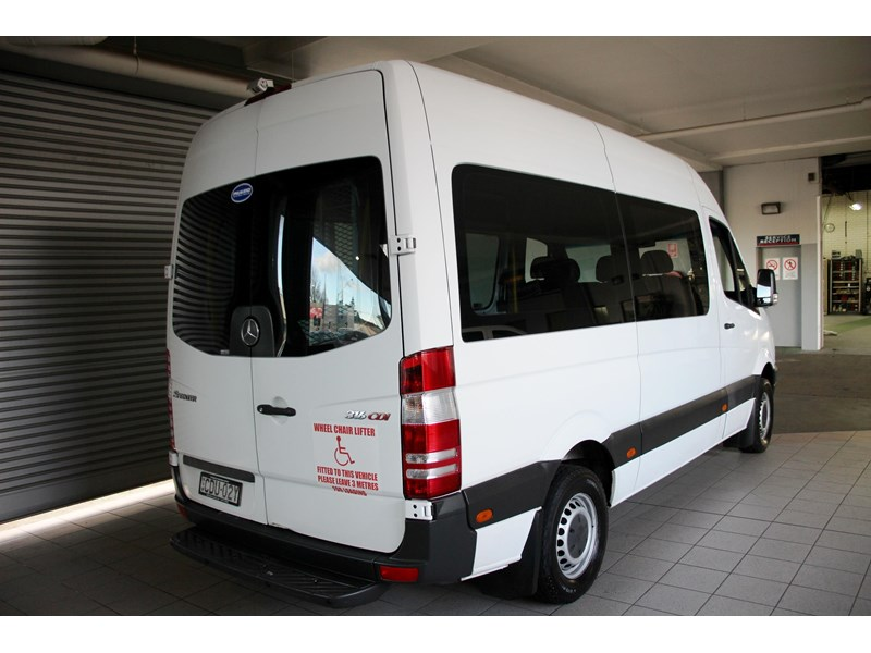 mercedes-benz sprinter 797604 005