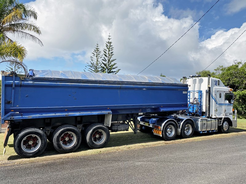 shephard tri-axle chassis tipping trailer 776466 001