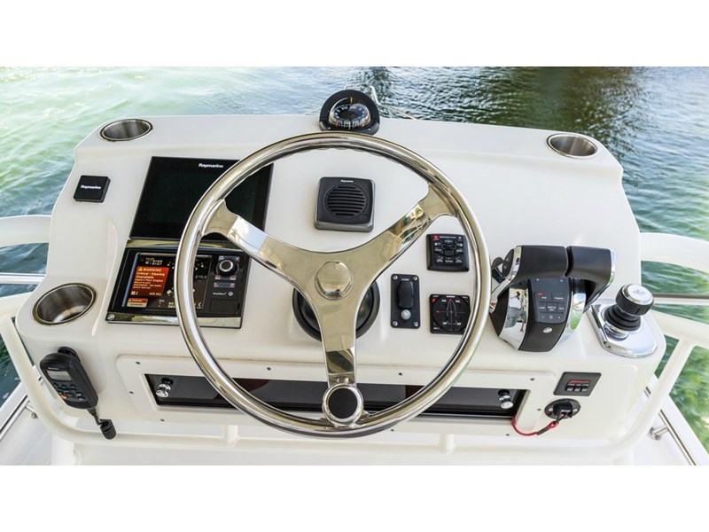 boston whaler 345 conquest - boat share 796708 023