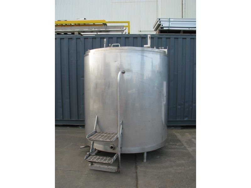 jacketed stainless steel tank with mixer 3200l 798309 001