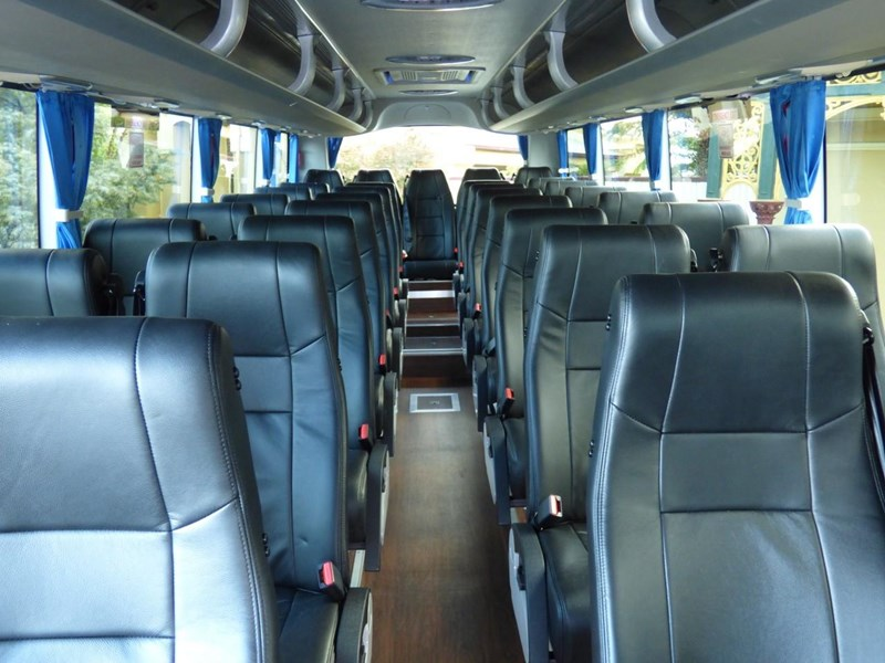 yutong zk6930h 35 seater luxury coach 798769 002