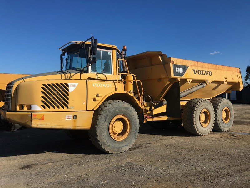 volvo a30d 737933 001