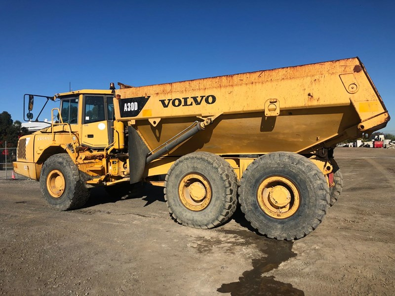 volvo a30d 737933 004