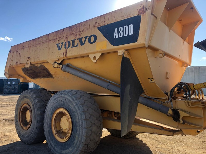 volvo a30d 737933 007