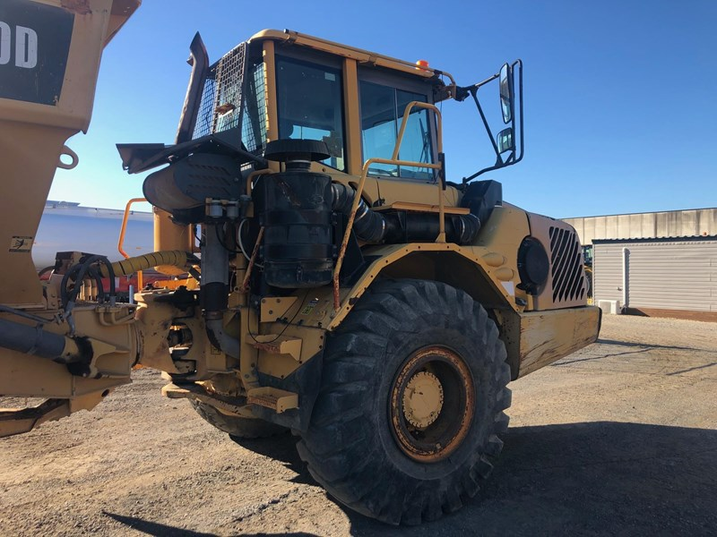 volvo a30d 737933 008