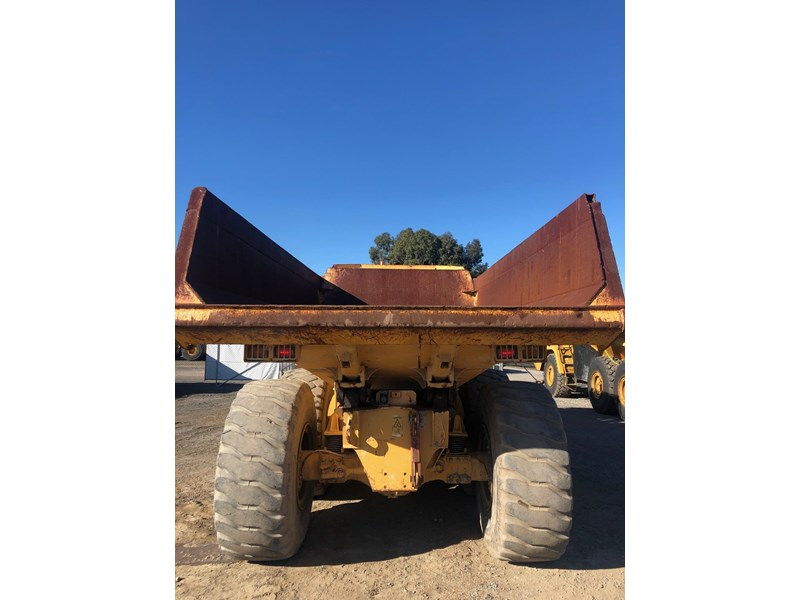 volvo a30d 737933 010