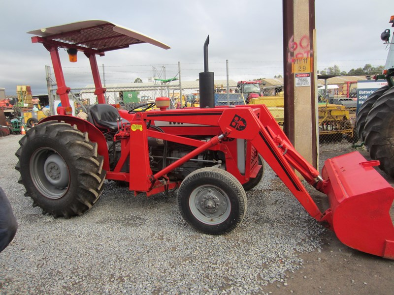 massey ferguson 240 tractor with fel 798485 009