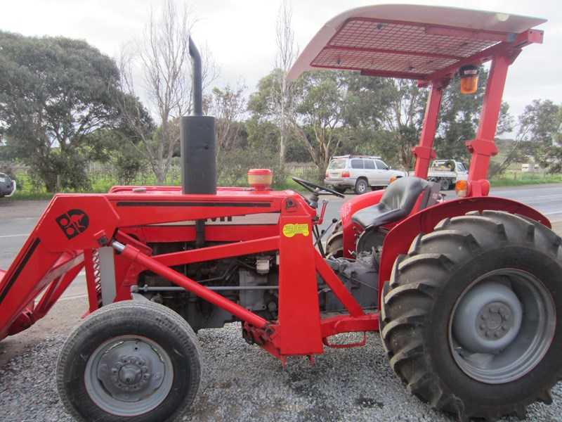 massey ferguson 240 tractor with fel 798485 012