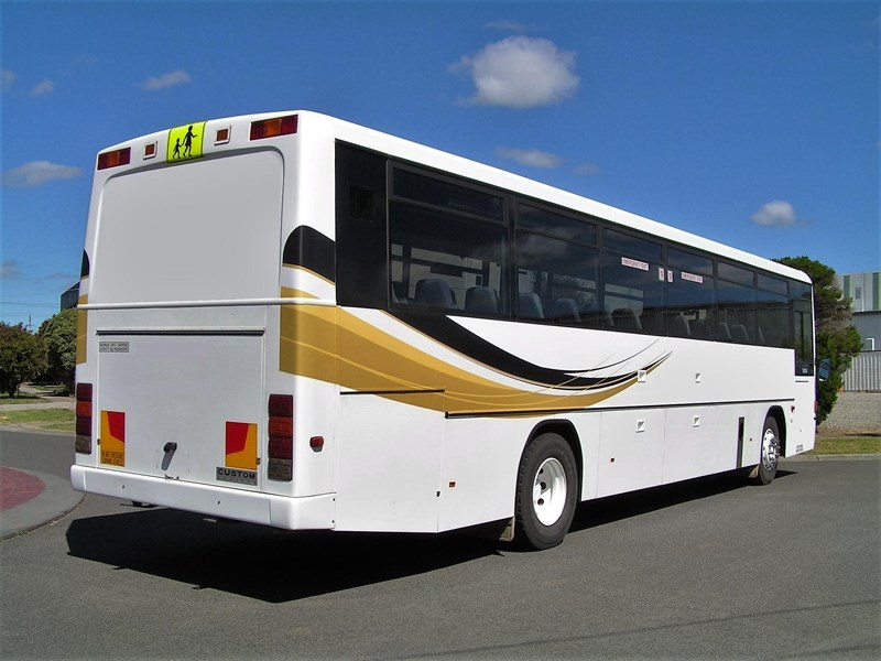 mercedes-benz 1421 custom coach 801276 002