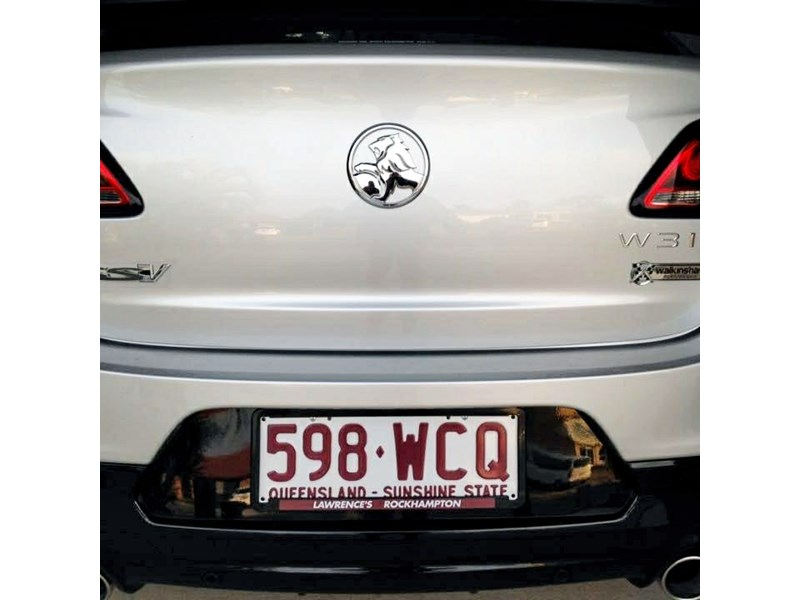 holden commodore ss 801882 007
