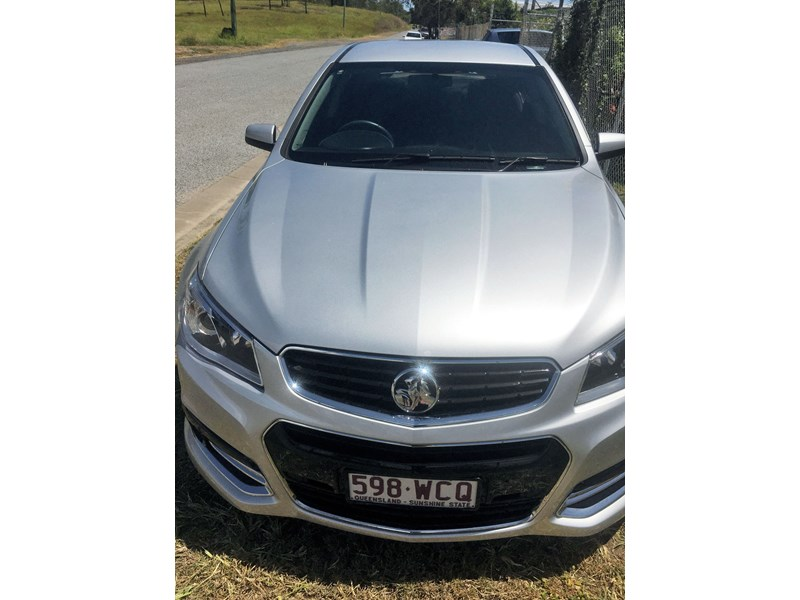 holden commodore ss 801882 002