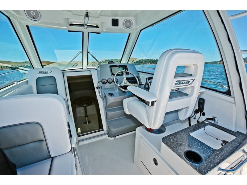 boston whaler 285 conquest 245299 036