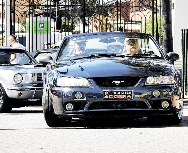 ford mustang 803133 008